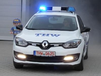 Der Megane Kombi mit 120 PS Diesel besitzt die THW-typische Farbgebung blau-weiß