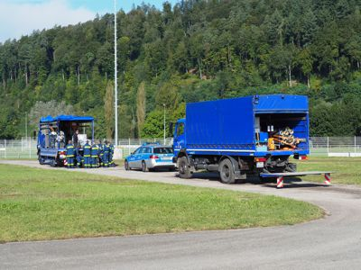 Ein Mitarbeiter der Verkehrspolizei Mannheim gab den Teilnehmern hilfreiche Tipps zur Ladungssicherung