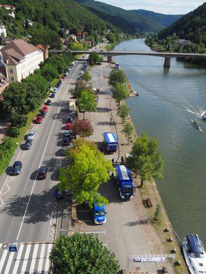 Die Pumpstrecke reichte vom unteren Eingangsportal bis weit hinter die Neckarbrücke