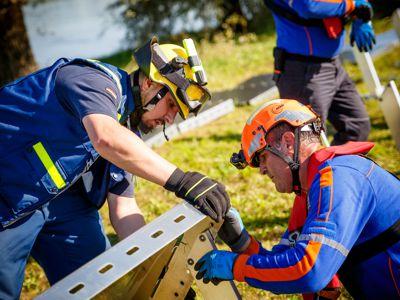 Gemeinsam bauten Helfer des THW und der türkischen Katastrophenschutzorganisation AFAD eine Hochwasserbarriere