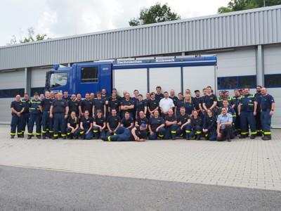 Alle Prüflinge, Prüfer und beteiligten Helfer aus dem Ortsverband Eberbach nach Abschluss der Prüfung