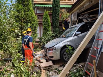Erste Begutachtung der Schadensstelle durch  den Baufachberater