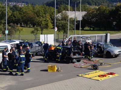 Zahlreiche THW-Helfer waren nach Eberbach gekommen, um gemeinsam die neuen Gerätschaften kennen zu lernen